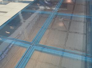pisos en vidrio