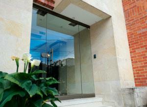 puertas en vidrio